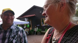 Susanne och Patrik i glatt samspråk